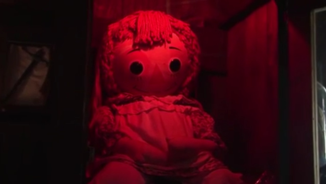 Annabelle Doll: real pictures & true story (The Conjuring)