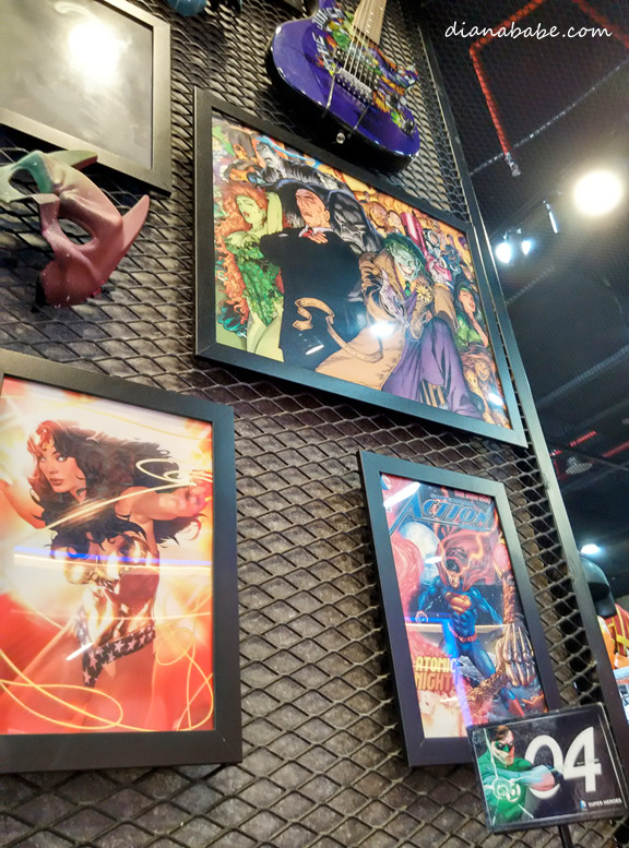 I liked the framed vintage comics~ gaveme inspiration to do the same to my own room!